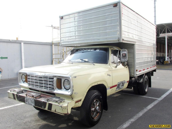 Dodge 300 Camión Furgón