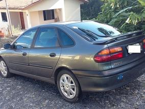 Vende-se 2 Laguna V6 24v
