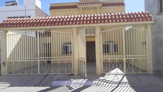 Casa En Renta Fracc. Cumbres Residencial