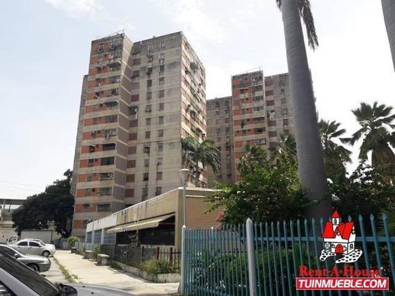 Apartamento En Venta En Av Ayacucho Maracay 19-14949 Mv