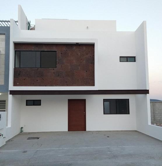 Casa Venta En Juriquilla San Isidro Priv 3 Rec Roof Garden