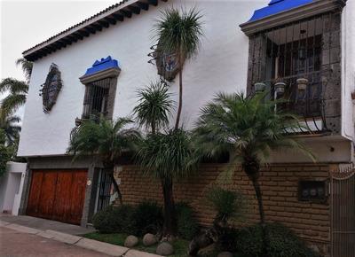 Solteros Rento Casa Duplex Fracc. Cerrado En Vista Hermosa