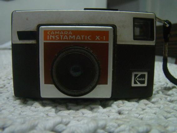 Câmera Kodak Instamatic X-1