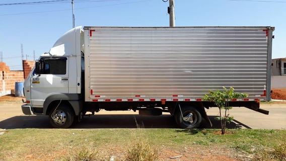 Caminhão Volks 8150 Baú 2009