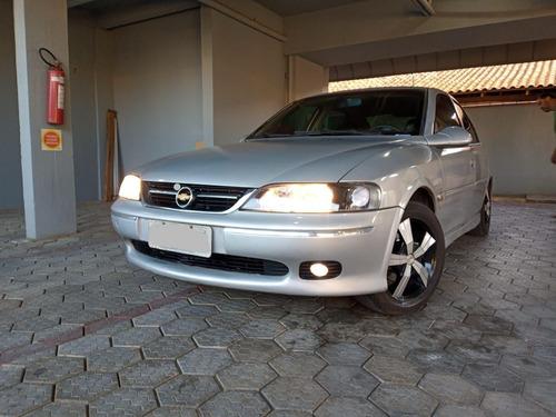 Chevrolet Vectra 2000 2.2 Gls 4p