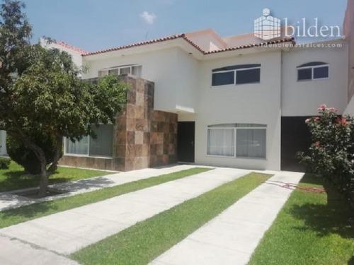 Casa Sola En Renta Fracc. Residencial Villa Dorada