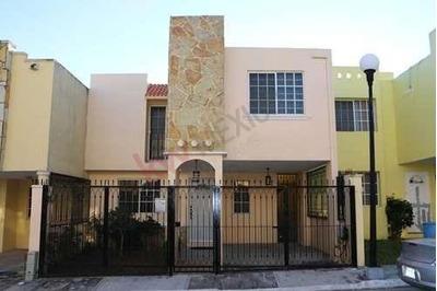 Casa En Renta. Fraccionamiento Villas Chairel, Tampico