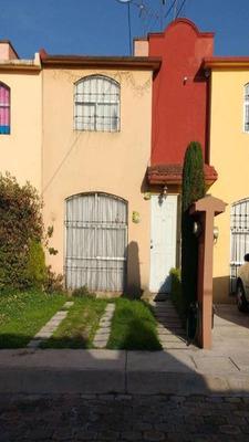 Venta De Casa En Paseos Del Valle 1, Metepec.