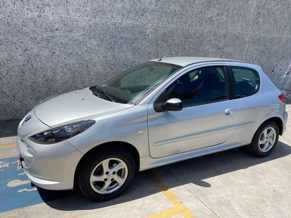Peugeot 207 1.4 Xr Flex 3p 2010