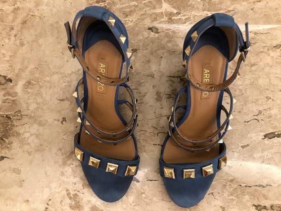 Sandália Azul Com Spikes Dourados