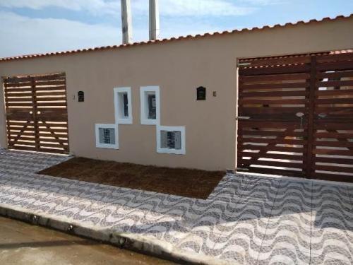 Imagem 1 de 14 de Casa 1km Do Mar Com 125m² Total Em Itanhaém 6967