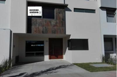 Hermosa Residencia En Solares Coto Soare En Guadalajara
