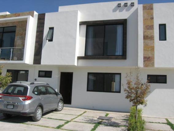 Preciosa Casa Nueva Sin Estrenar 3 Recs.,2 1/2 Baños, Lavado