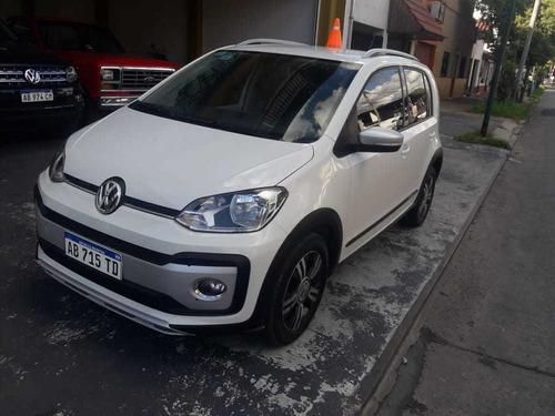 Volkswagen Up! 2017 1.0 Cross Up!