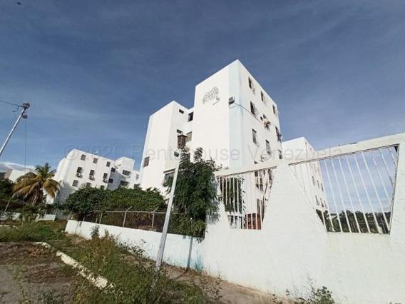 Apartamento Alquiler En Barquisimeto 21-2101, Sp