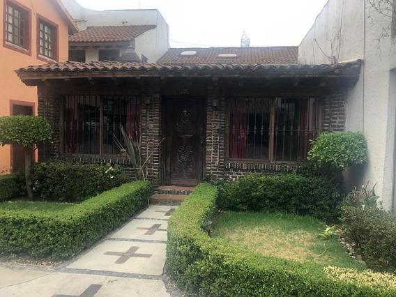 Hermosa Casa En Venta Sobre Avenida Principal, Excelente Ubicación.