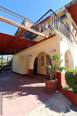 (crm-1404-3196) Se Renta Oficina Dentro De Plaza Comercial En Tlaltenango Clave Or759