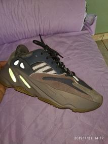 adidas Yeezy Boost 700 (importado)