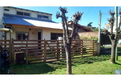 Casa En Venta En Del Viso Con Cochera Y Jardín