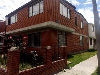 Excelente Casa En Carabelas ,amplia Con Apartamento Y Local
