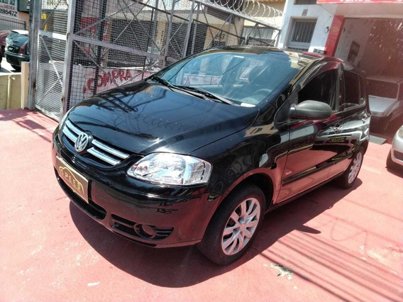 Vw - Volkswagen - Fox 1.6 Plus - 2006 - Troco - Financio