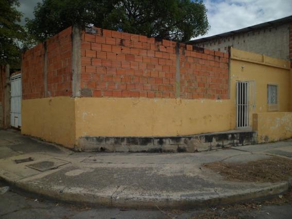 Terreno Céntrico Barrió Democracia Ii, Maracay.