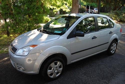 Ford Fiesta Max 1.6l 2010