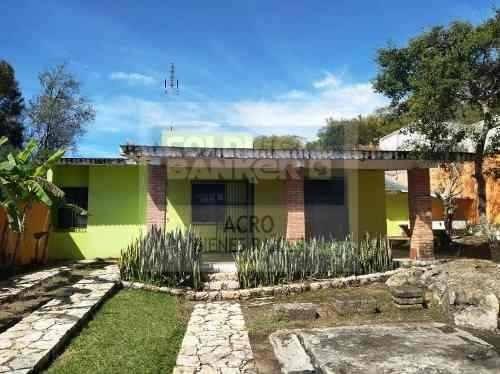 Casa Con Amplio Terreno En Ixtapan De La Sal
