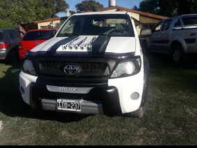 Toyota Hilux 2.5 Dx Pack Cab Doble 4x2 (2009) 2010