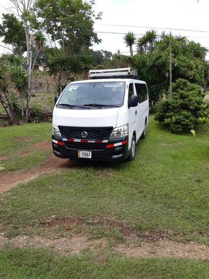 Microbus Nissan Urban 15 Pasajeros