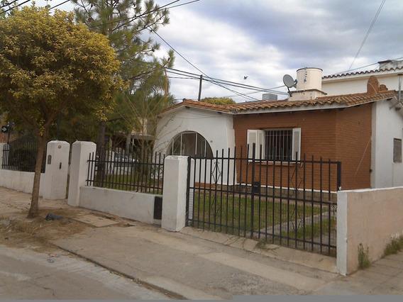 Casa De ( 2 ) Dormitorios A Cuadras Del Centro