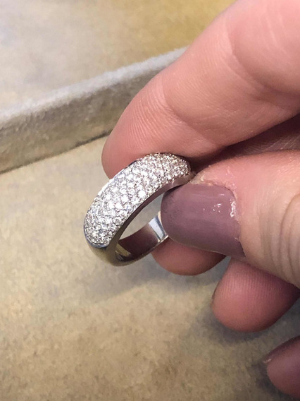Anel Pavê De Diamantes Em Ouro Branco 18k