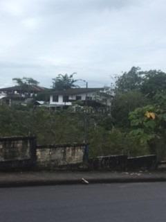 Hermosa Casa Con Gran Extensión De Terreno En Venta