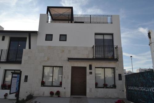 Casa En Venta En El Refugio, Queretaro, Rah-mx-20-128