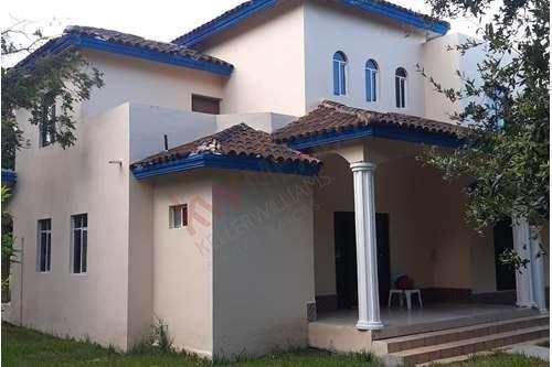 Hermosa Quinta Habitación En Cadereyta Jiménez Nuevo León Para Inversionistas