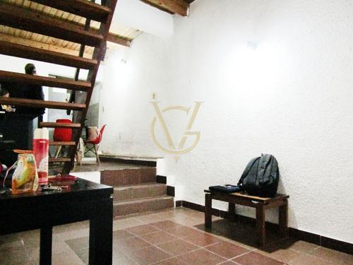 Imagen 1 de 11 de Casa De 1 Dormitorio En La Comercial.