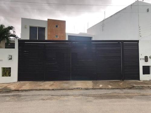Se Vende Casa Equipada De Cuatro Recamaras Con Alberca En Montebello