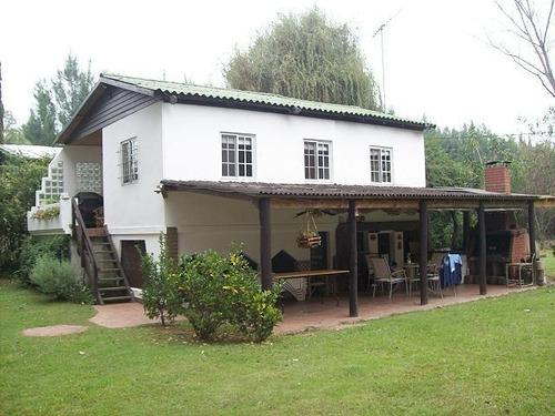 Hermosa Casa Sobre Doble Terreno Rio Carapachay Al 300