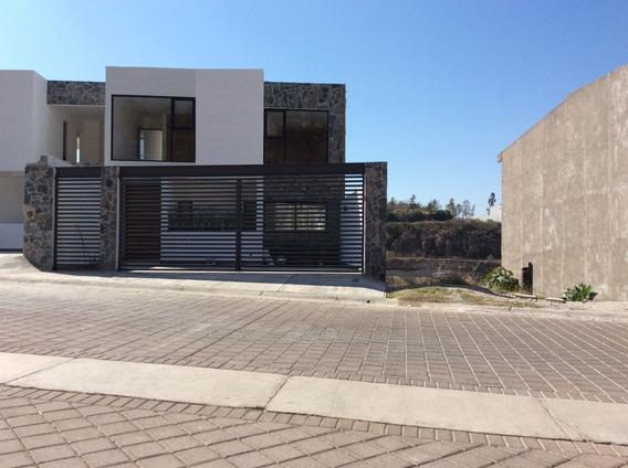 Venta De Casa En Loma De Pinal De Amoles A Lado De Av. Constituyentes