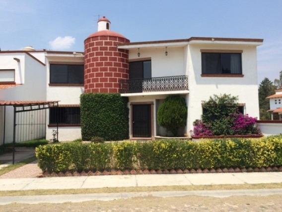 Casa 4 Recámaras,estudio,jardín- Vigilancia 24hrs