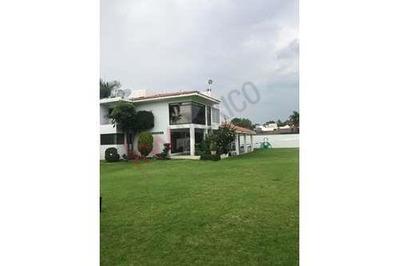 Exclusiva Residencia Al Campo De Golf
