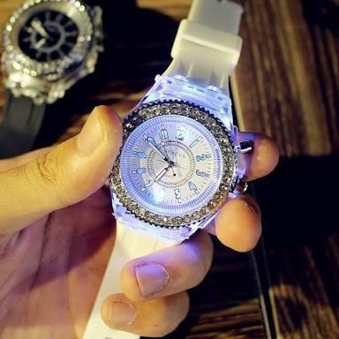 Relógio Feminino Geneva Led Várias Cores Oferta