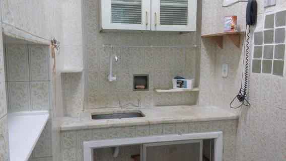 Aptº 1 Quarto, Sala, Cozinha, Banheiro