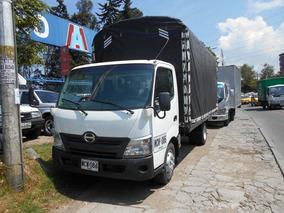 Hino Dutro City 300 Estacas 4.4 Tnl