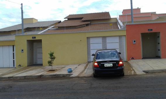 Uma Casa Com 10 Comodo