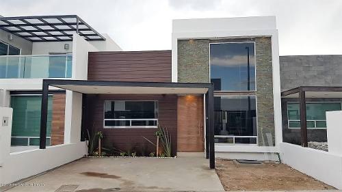 Casa En Venta En El Roble, Corregidora, Rah-mx-20-115