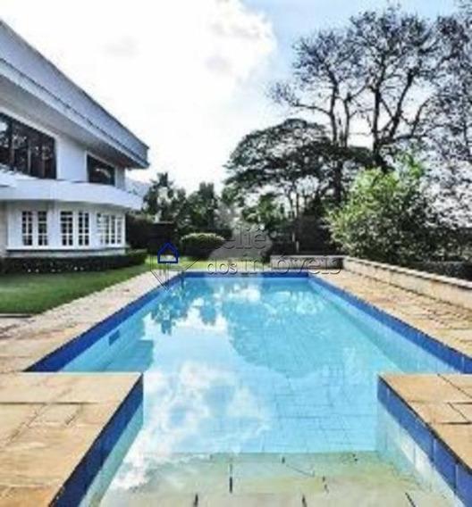 Belíssima Residência Em Rua Tranquila E Arborizada No Jardim Guedala. - Ca0279ati
