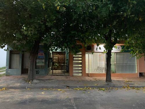Casa En Venta. Centro Pando