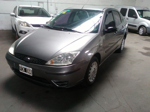 Ford Focus 1.6 8v Ambiente 4p 2005