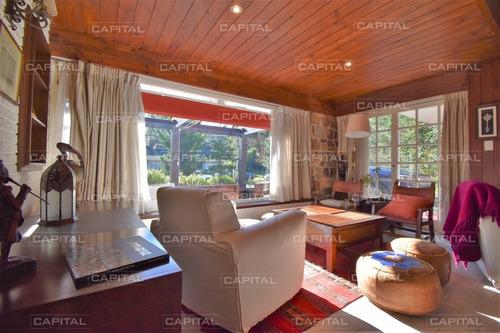 Casa De Cuatro Dormitorios En Alquiler Anual - Ref: 26991